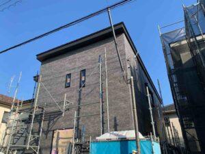 【埼玉県三郷市】S様邸注文住宅新築工事は足場が外れ外観がわかるようになりました。