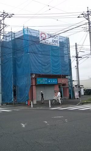 埼玉県吉川市YTハイツ様外壁塗装の様子 (1)