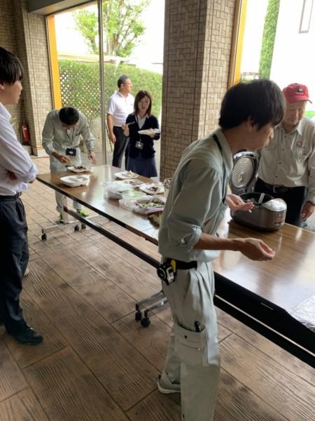カレー食事会を行いました。松井産業