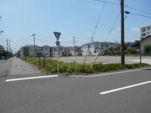 【埼玉県吉川市】T様邸駐車場工事 (1)