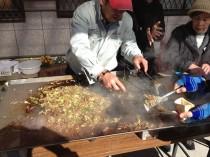 松井産業名物の食事をしました。今回はケバブ風サンドをつくりました(^^)